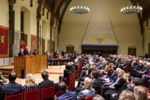 Premier Mark Rutte aan het woord tijdens de Verenigde Vergadering in de Ridderzaal te Den Haag - 3 december 2013